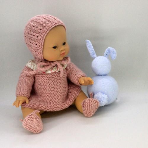Conjunto vestido, capota y zapatos de lana para Gordis de Paola Reina 34 cm
