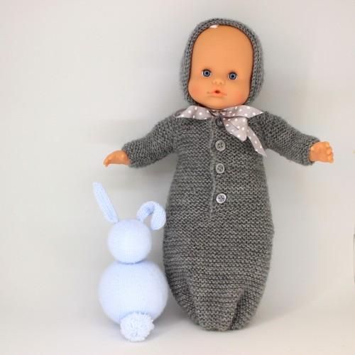 Saquito con mangas y capota para Nenuco 32 cm cuerpo de trapo