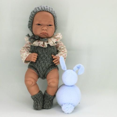 Conjunto pelele , capota y patucos de lana con camisa de tela para Antonio Juan 33 cm
