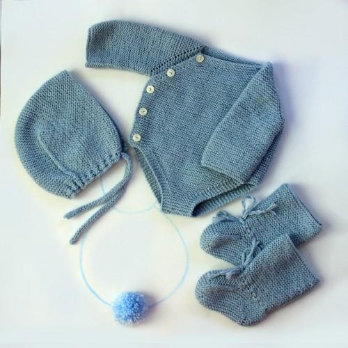 Conjunto con pelele, capota y patucos largos de lana Antonio Juan 42 cm