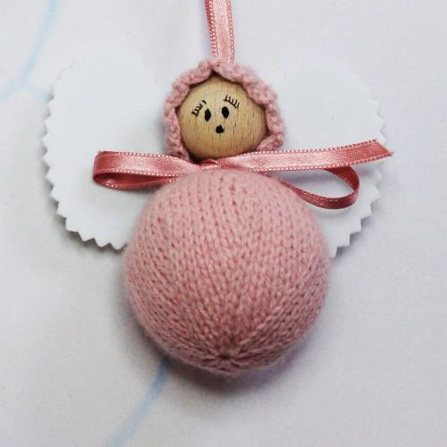 Angelito clásico de lana rosa envejecido