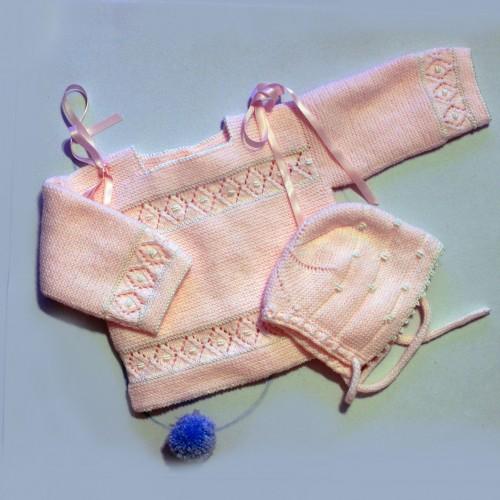Patrón jersey y capota rosa con rombos 1 postura