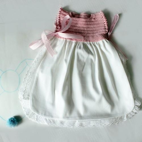 Patrón faldón abierto laterales bebé 1-3 meses
