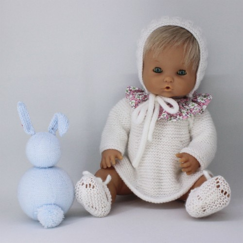 Conjunto vestido lana con cuello de tela, capota y zapatos válido para Nenuco tradicional