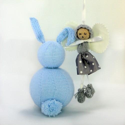 Angelito de lana y cinta gris