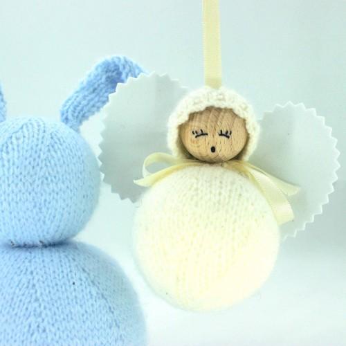 Angelito clásico de lana beige