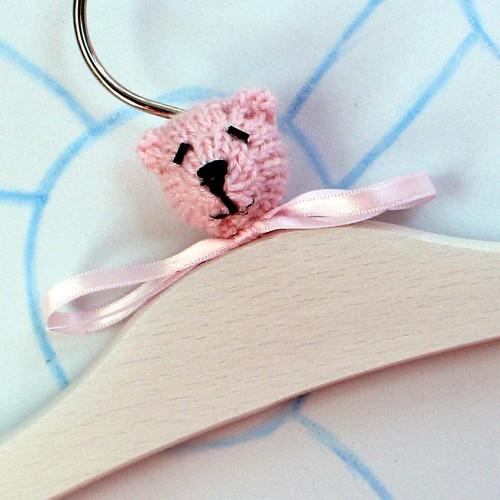Percha oso rosa